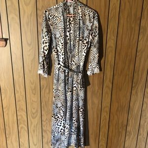 Oscar de La Renta - Leopard Print Robe